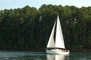 lake-keowee-sailboat