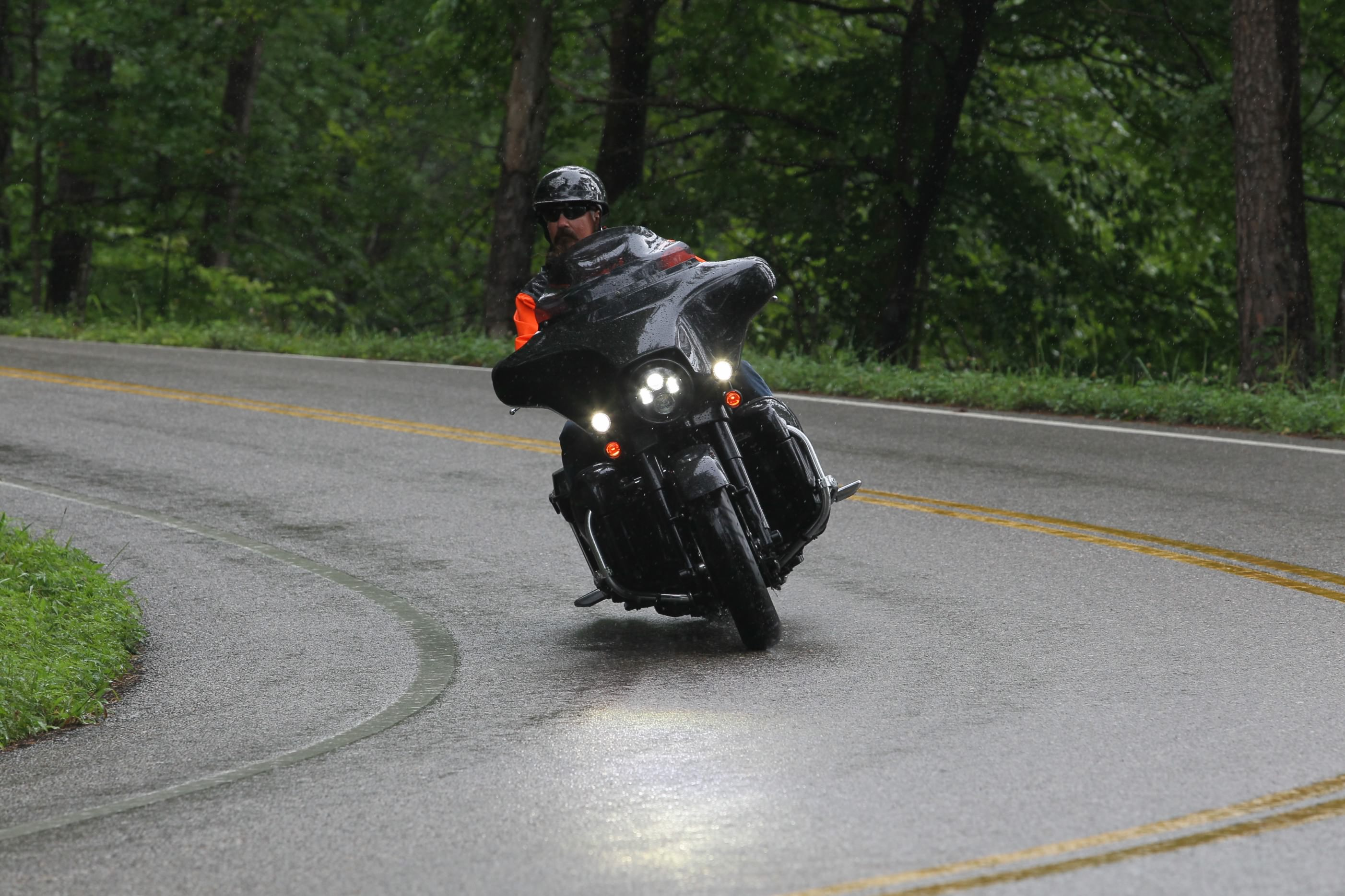 9 Tips For Staying Safe On A Motorcycle